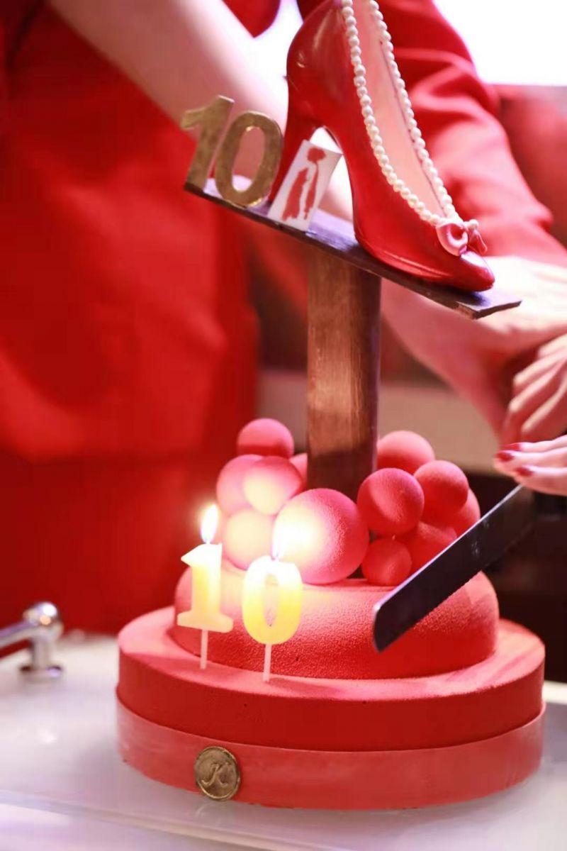 『遵义会址二日游线路』致敬红衣女郎:凯宾斯基品牌大使十周年庆典